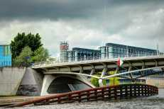 Blick über die Kronprinzenbrücke zum Hauptbahnhof