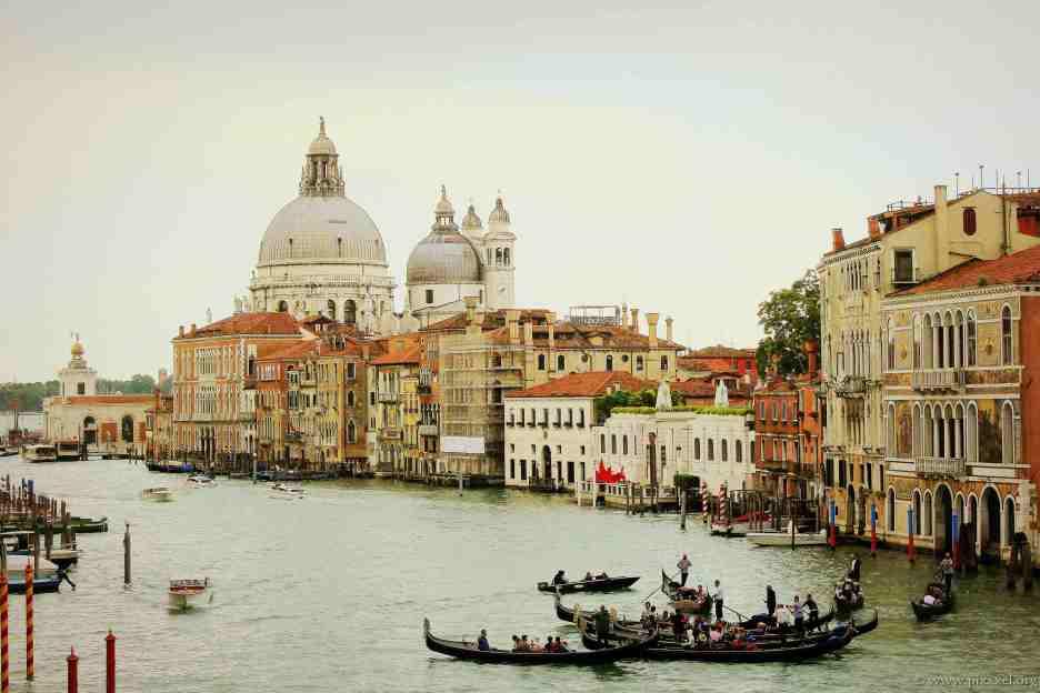 Der Canal Grande und die Kirche Santa Maria della Salute