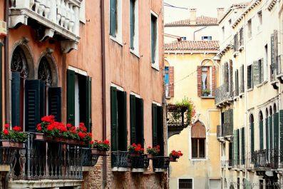 Verschiedene Fassaden und Stile...