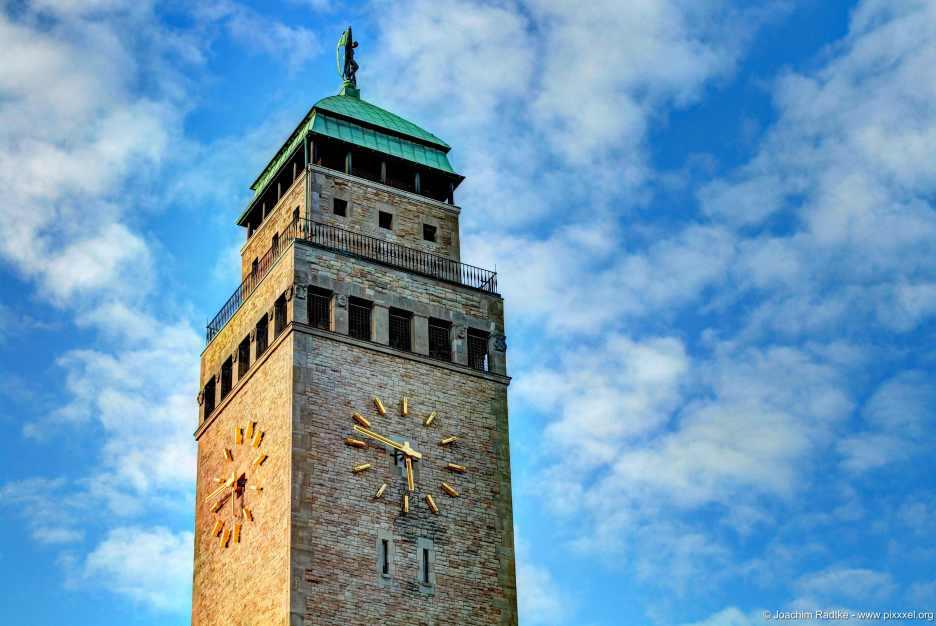Der Turm vom Rathaus Neukölln