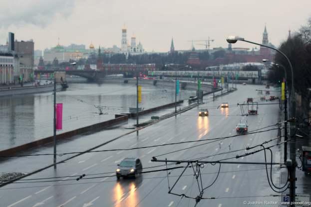 Die Moskworetskaja Uferstraße