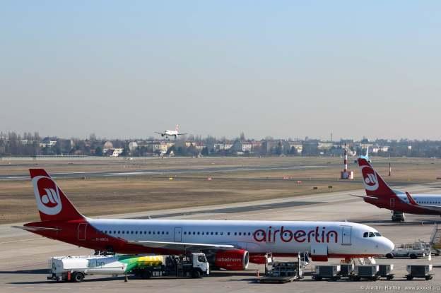 Im Vordergrund ein Airbus A321