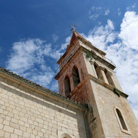 die Kirche von Postira