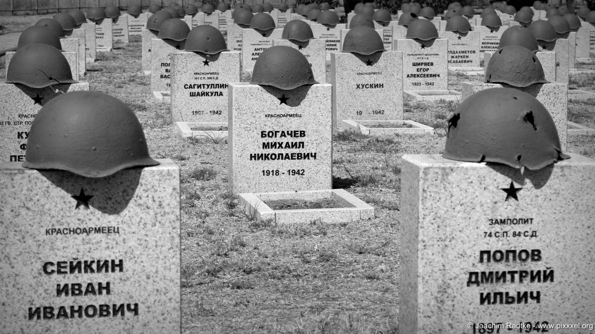 Soldatenfriedhof Rossoschka (bei Wolgograd - das ehemalige Stalingrad in Russland)